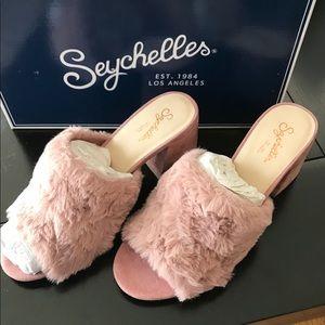 Brand new Seychelles Pink Faux Fur Slide Sandals